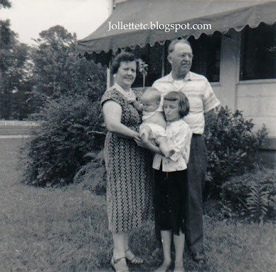 Lucille and Orvin Davis, Mary Jollette and Wendy Slade August 1959 https://jollettetc.blogspot.com