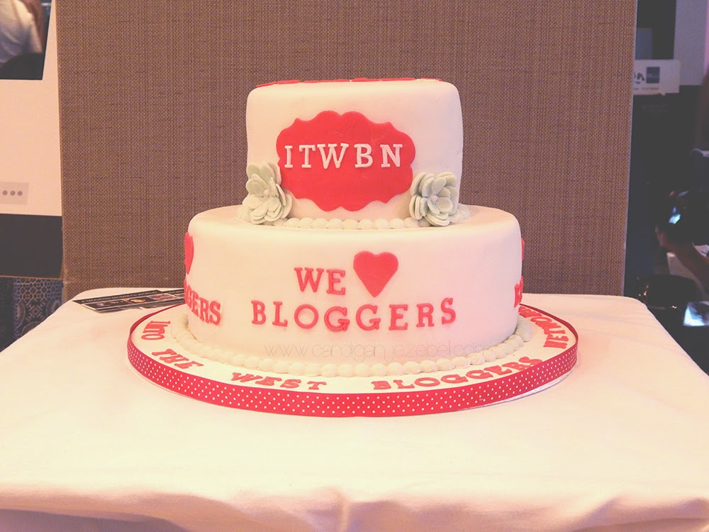 ITWBN Blogger Event Cake A Modern Mommy's World