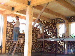 Construcción de casas con troncos de madera