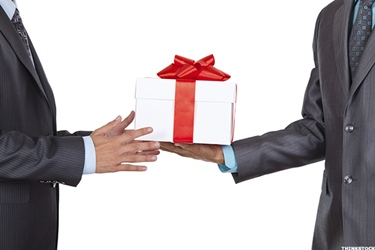 corporate gifting make your clients feel closer to you