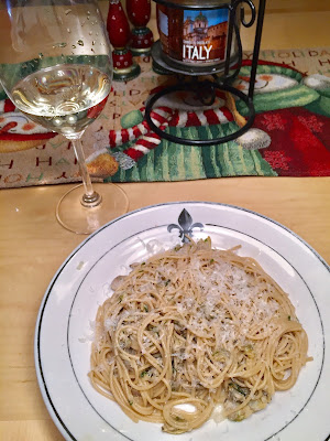 spaghetti with clams wine pairing with prosecco