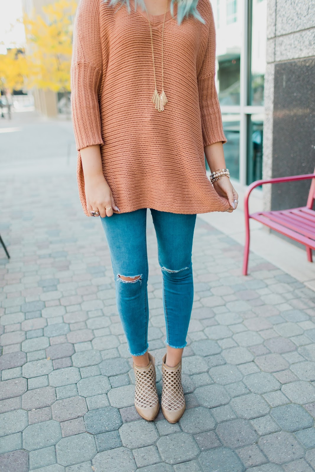 Fall Look, Ripped Jeans, Tan Booties