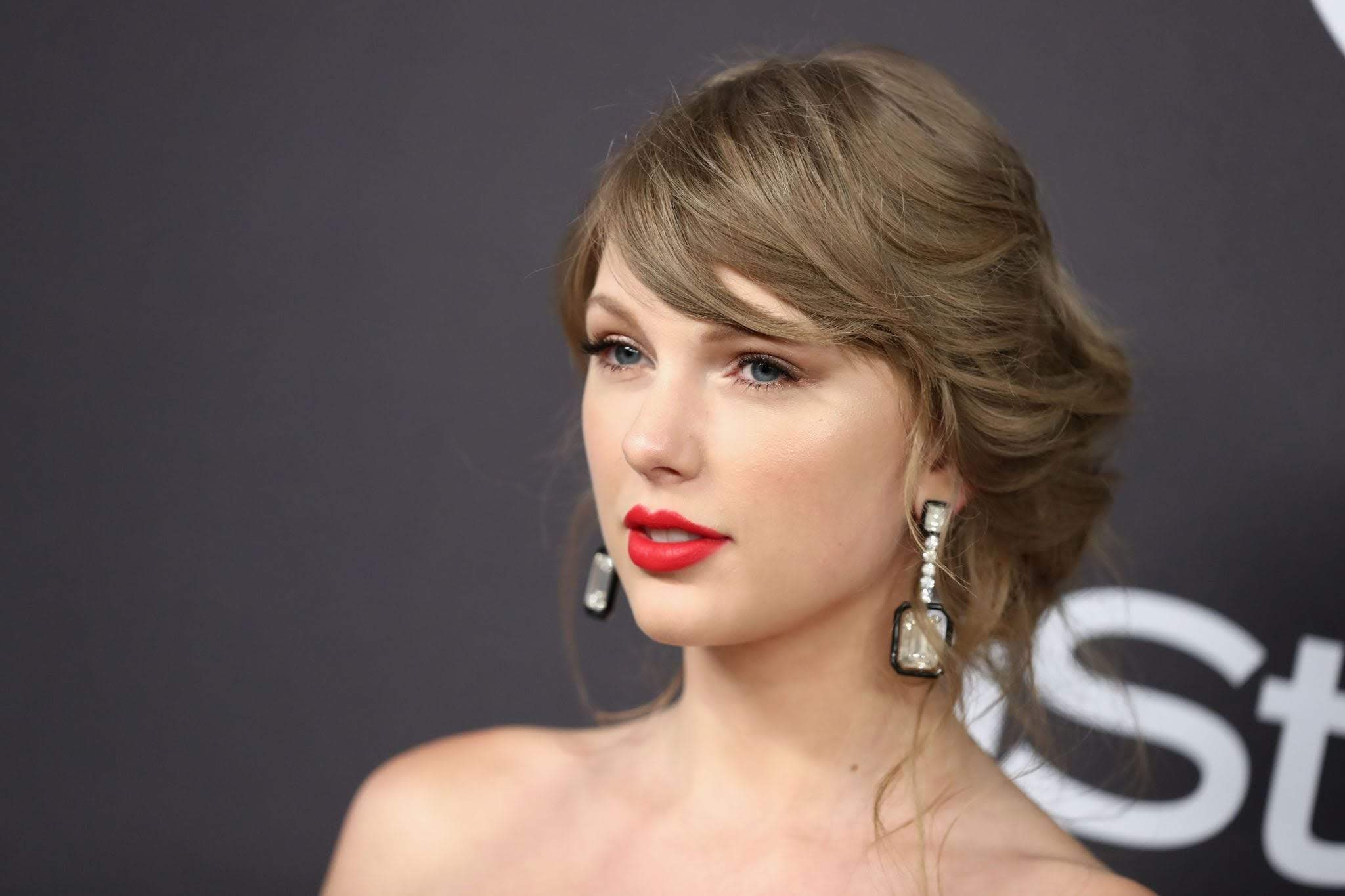 Taylor Swift Attend Golden Globes After Party : 第76回 ゴールデン・グローブ賞のアフター・パーティのテイラー・スウィフト ! !