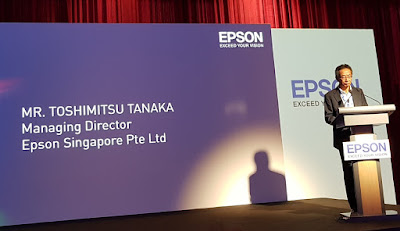 Tanaka-san spoke of Epson's market leadership in projectors.