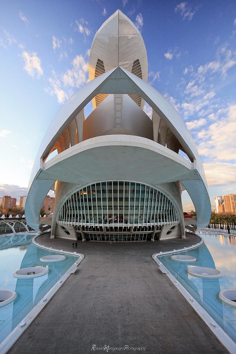 Architecture + Interior Design: FUTURIST ARCHITECTURE