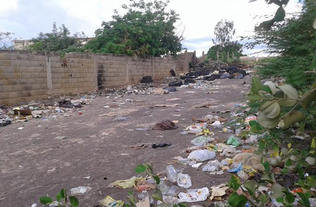 acumulacion-de-basura-y-falta-alumbrado-agobian-callejon-bolivar-la-villa