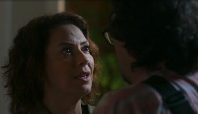 Nana (Fabiula Nascimento) fica radiante quando Mario (Lucio Mauro Silva)