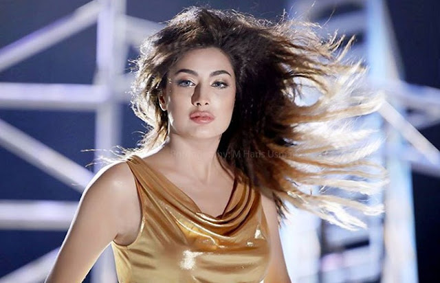 यह है पाकिस्तान की सबसे हॉट और खूबसूरत अभिनेत्री  - Hot and beautiful actress of Pakistan