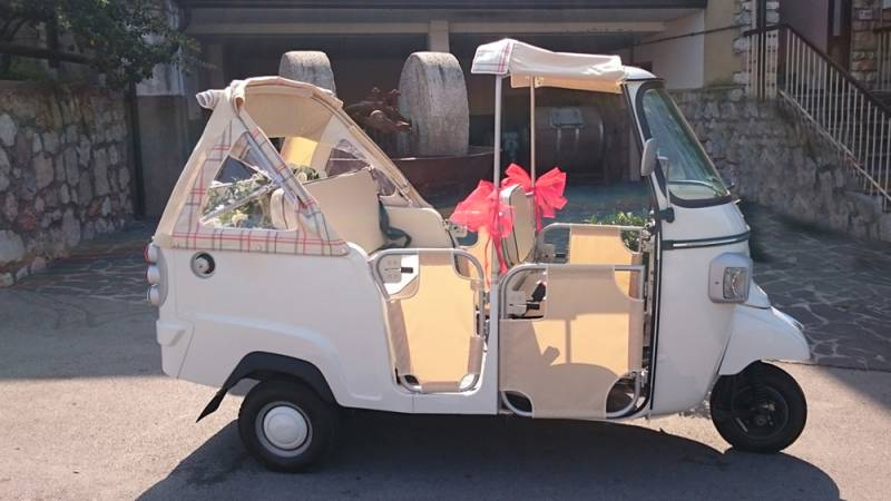 Tuk Looking For Diffe And Unique Travel Option We Ve Just Exclusive Vehicle You Hire Is Quite Well Known Among Britons Which Gives