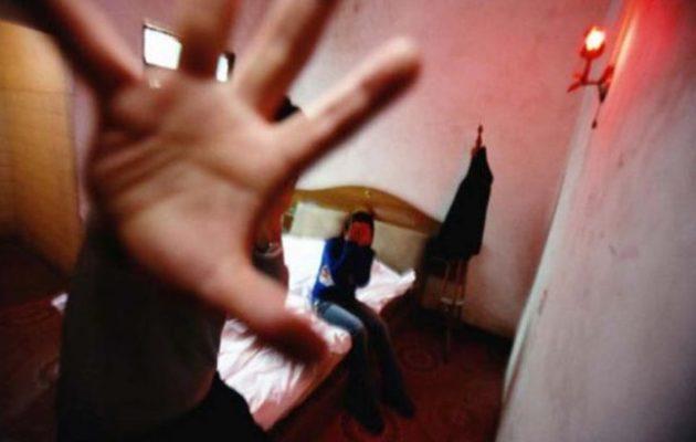 Εισαγγελία Βόλου: Μητέρα εξέδιδε τη 18χρονη κόρη της