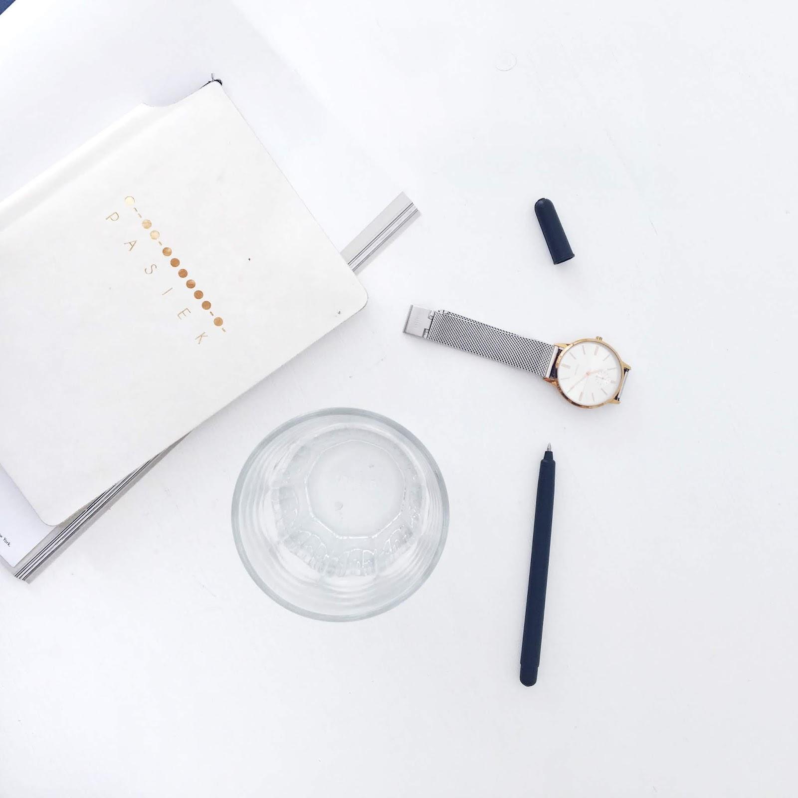 užrašų knygutė minimalistinė