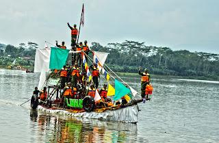Perahu Hias Ramaikan Serayu Festival 2017