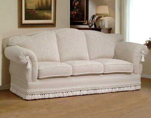 Arredamenti stefano il divano classico for Divano classico