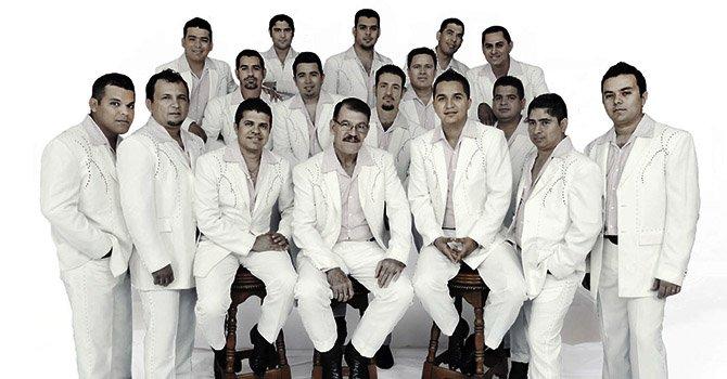 La Arrolladora Banda El Limón - Arrepentida (Promos Nuevos 2016)
