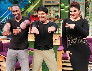 Cricketer Bravo and actress Raveena Tondon in ‪Kapil's show
