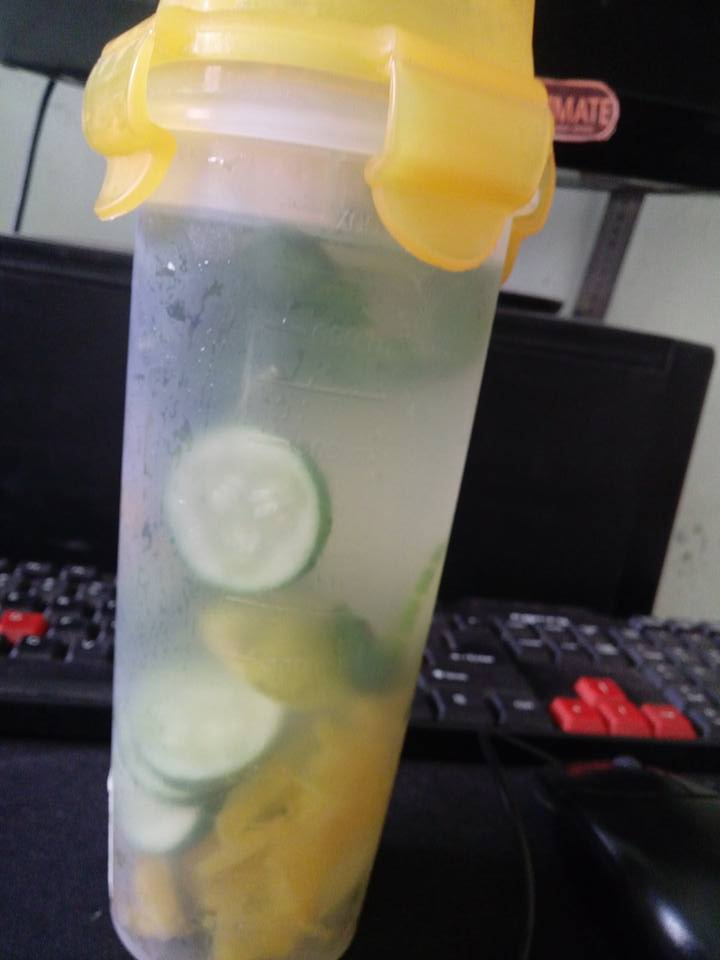 DAPUR IBU ARCHARD : INFUSED WATER BELIMBING