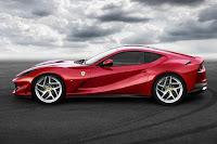 Ferrari 812 Superfast (2018) Side
