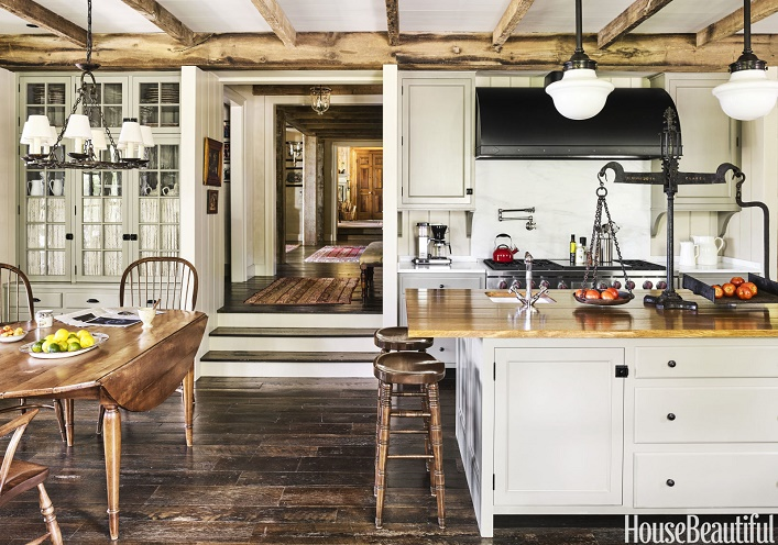Charming Rustic Kitchen Ideas And Inspirations: Mix And Chic: A Rustic And Charming Vacation Home In North