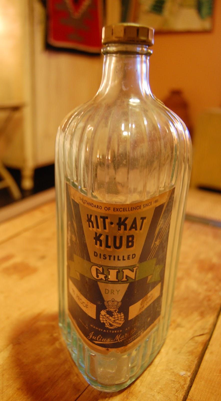 Wunderful Things Kit Kat Club Gin Art Deco Liquor Bottle