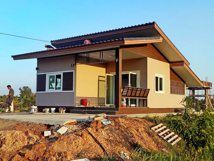 A house should always feel like home but it is also important that we should not compromise the style. House is often considered as a product of hard work, patience, and perseverance of a person. And when the time comes that we are able to build our house, we should choose a design that we can be proud of. Here are 10 houses you can choose from if you are looking for your dream house. You can design your own floor plan using these facades. Some of these are beautiful small house design and there are bungalow house designs too. Be inspired looking at these new build house designs you can copy for free!