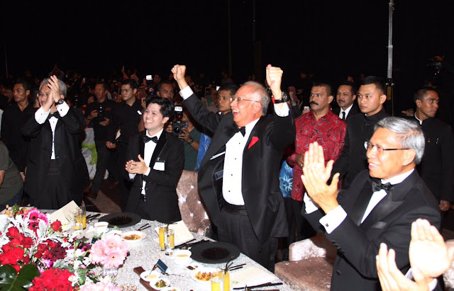 Najib Bersorak Kegembiraan Chong Wei Menang