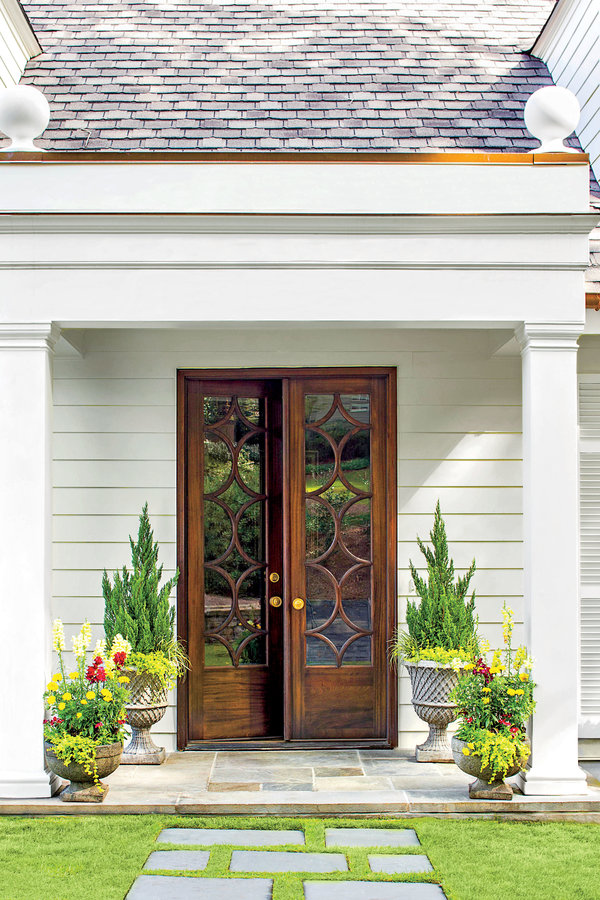 A Distinct, Gorgeous Entryway | Southern Living