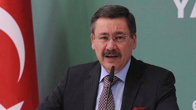 رئيس بلدية أنقرة مليح غوكشيك يصرح بان زلزال تركيا كان مفتعل