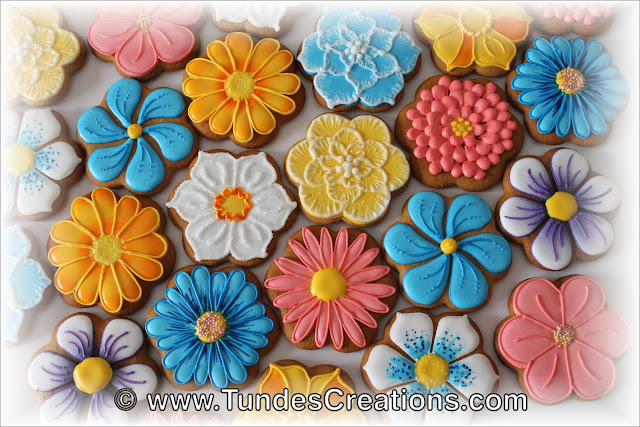 Flower cookies by Tunde Dugantsi