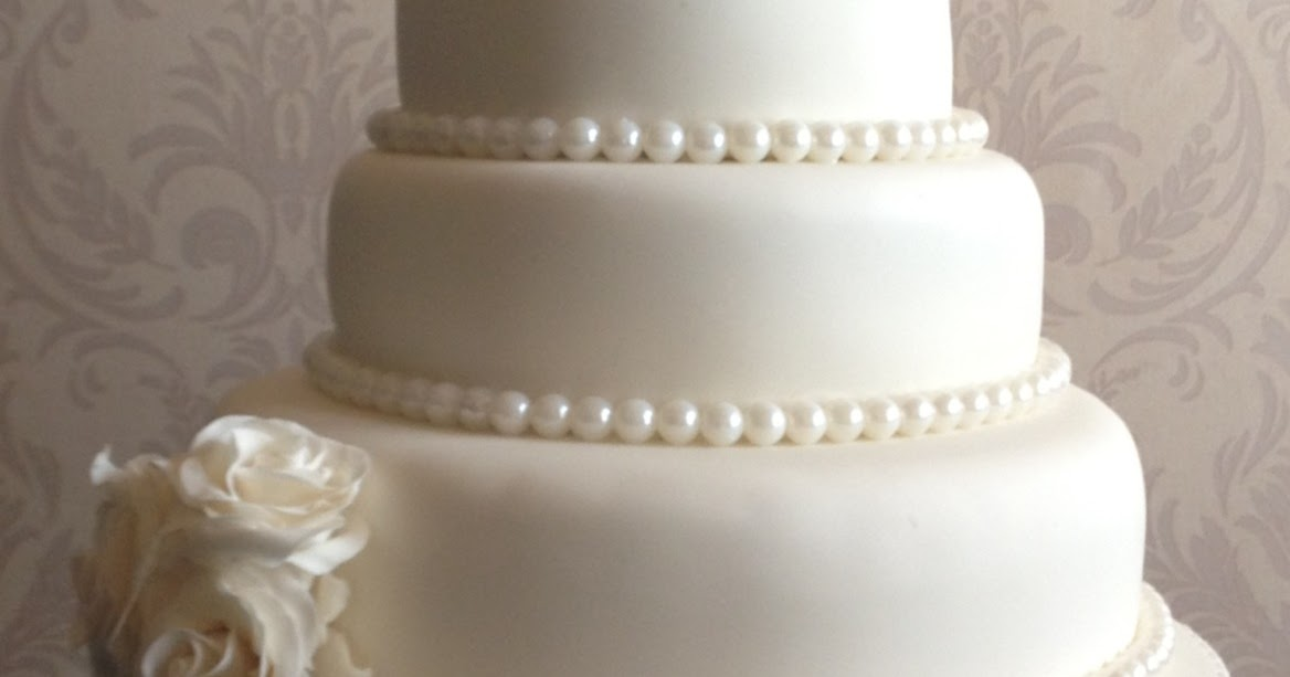 wedding cakes with roses and pearls s cakes roses and pearls wedding cake 26108