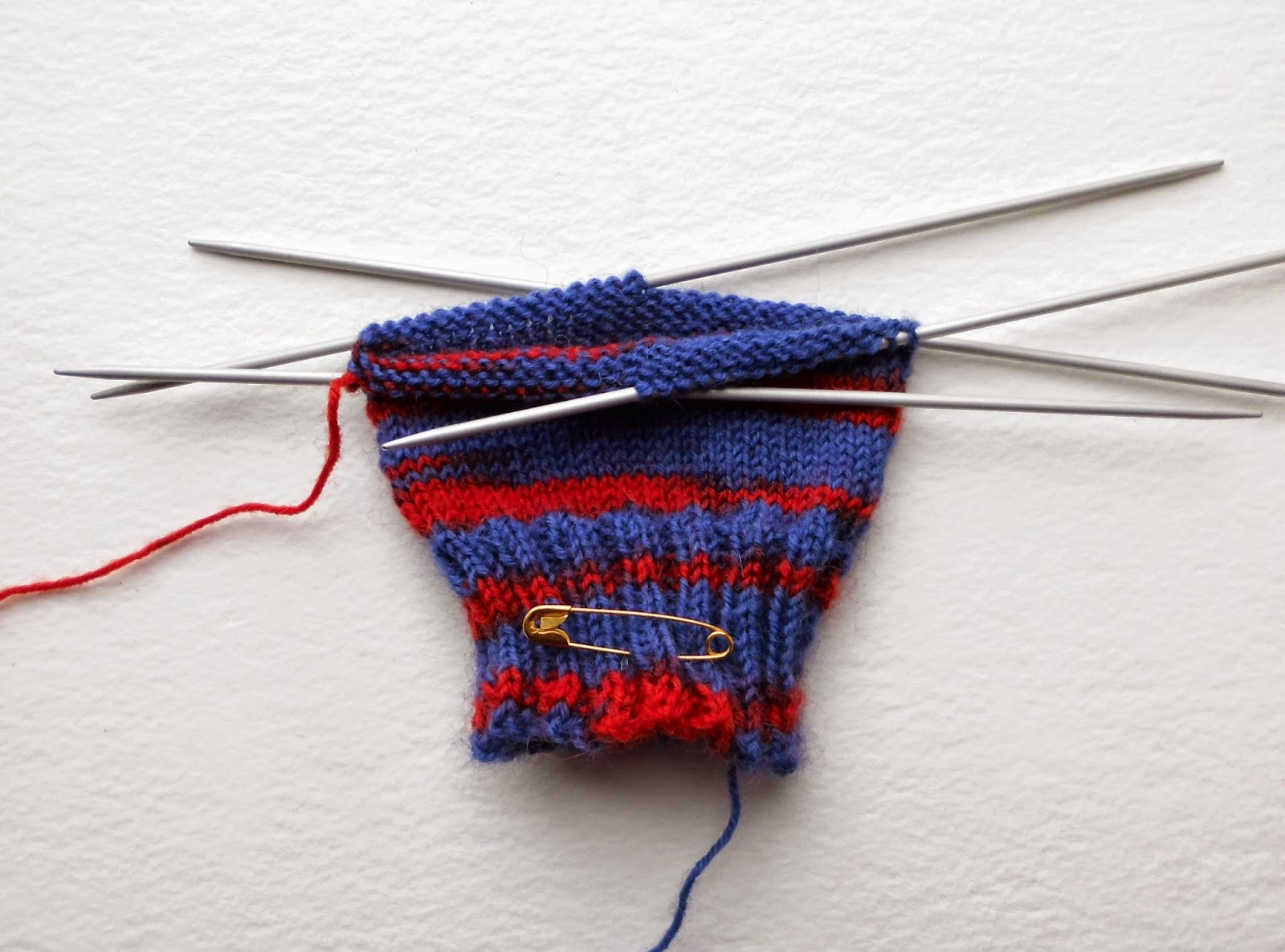 Example of knitting on double pointed needles