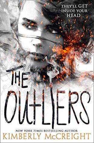 Portada en inglés del libro Extraños de Kimberly McCreight (The Outliers).