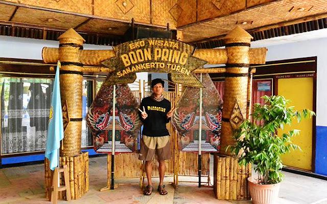 Bukti Desa Wisata Sanankerto identik dengan bambu