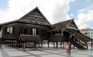 Tempat Wisata di Sulawesi Selatan - Museum Balla Lompoa