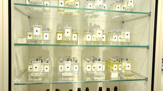 jo malone complimentary hand and arm massage