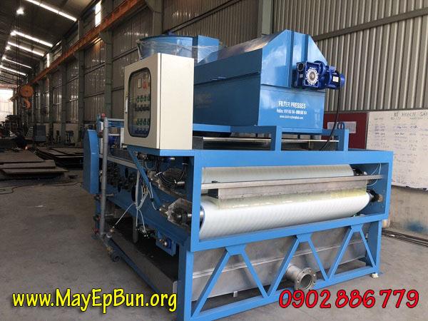 Máy ép bùn băng tải do công ty Vĩnh Phát sản xuất tại Việt Nam, chất lượng, giá rẻ