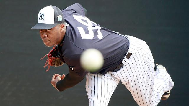 Chapman realizó 18 lanzamientos contra jugadores de las ligas menores en el centro de entrenamientos de los Yankees en Tampa.