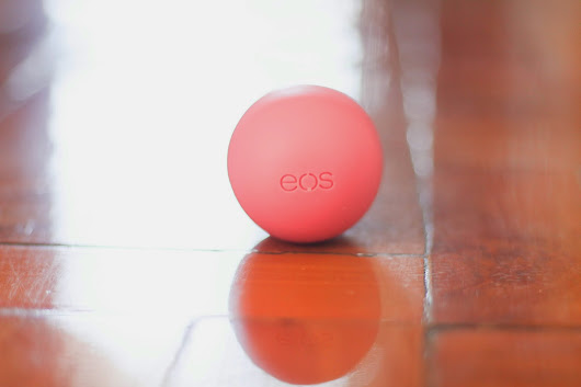 Feature: EOS Lip Balm in Strawberry Sorbet