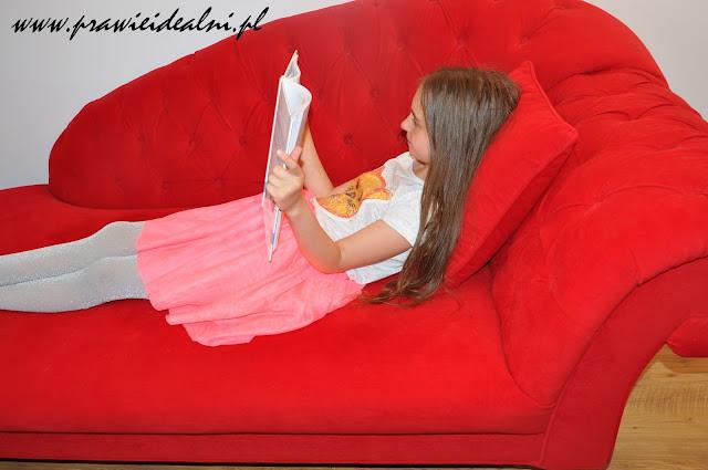 Jak zachęcić nastolatka do czytania książek