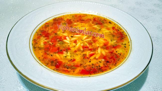 Kırmızı Biberli Arpa Şehriye Çorbası