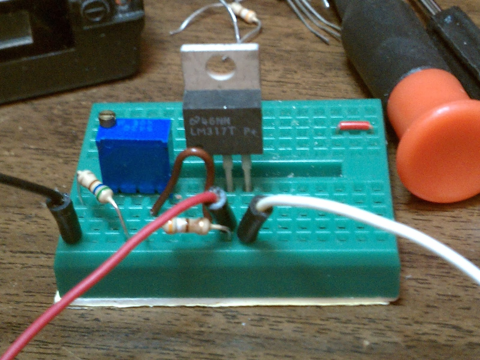 Icom Ic 2at Battery Eliminator The Kodetroll Spot Circuit Pictures Notice An Additional Resistor To Left Of Trimpot This Was Removed From In Actual Use As It Not Needed