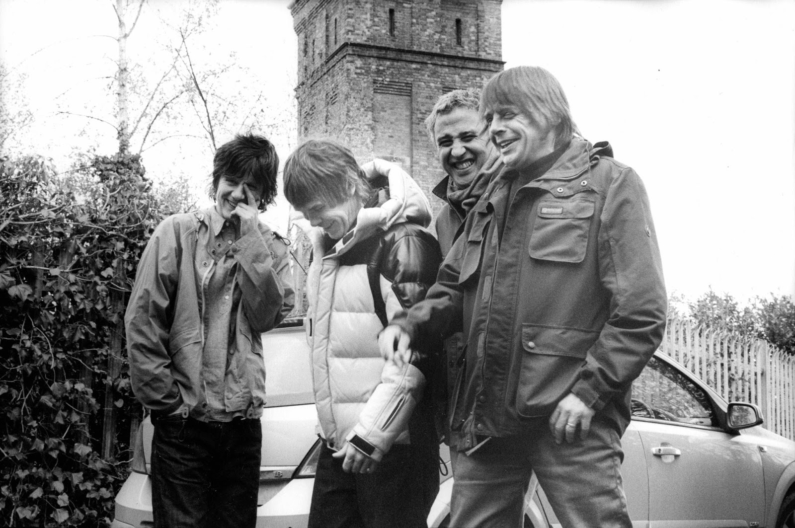 """ALL FOR ONE""...  Y STONE ROSES SUBEN EN STREAMING UN 500%"