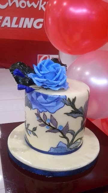 sweet solutions made to order cakes