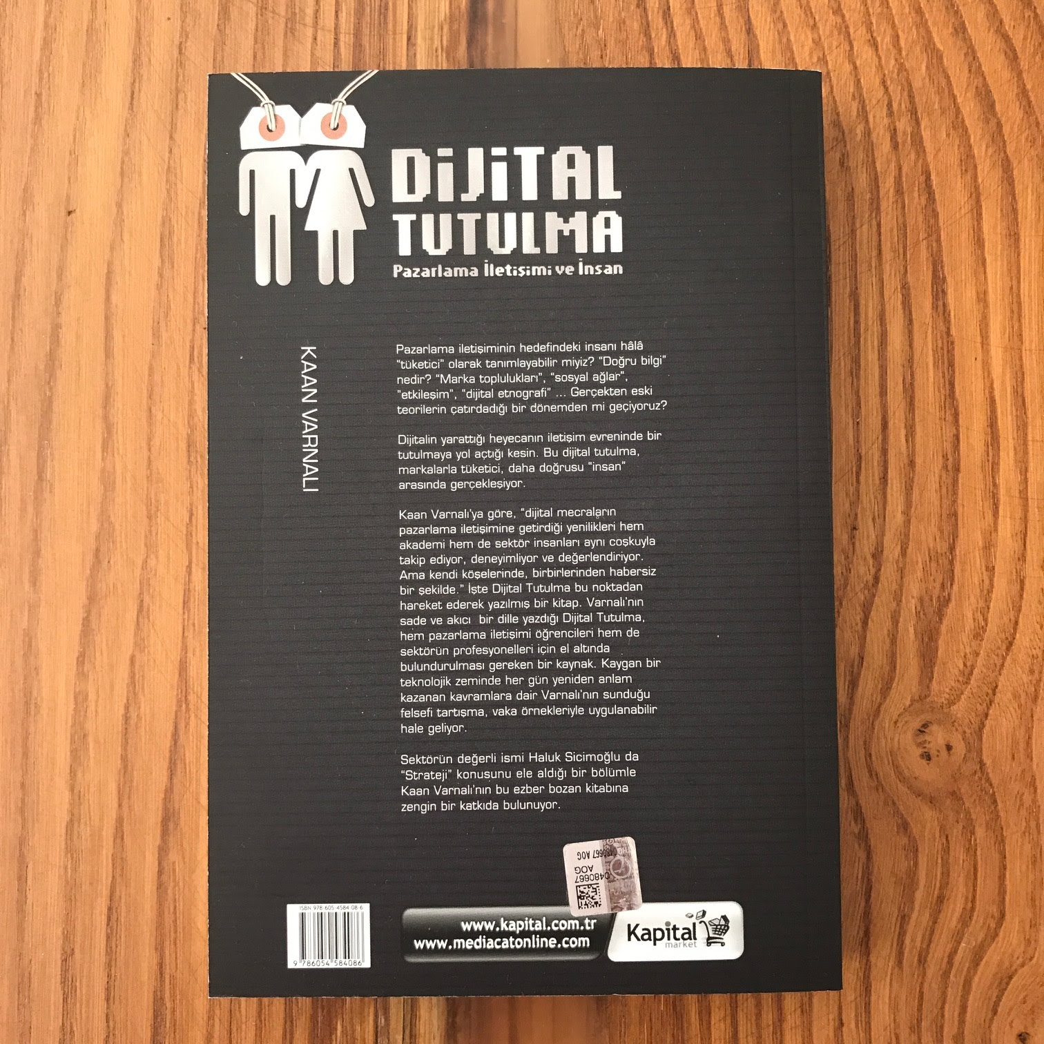 Dijital Tutulma - Pazarlama Iletisimi ve Insan (Kitap)