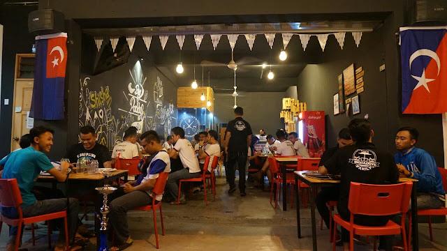 Big Daddy's Family Cafe yang sentasa penuh dengan pelanggan
