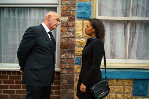 Coronation Street Blog: Steph returns to Coronation Street