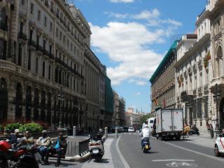 La calle de alcalá hacía la puerta del sol, a la altura del casino de Madrid