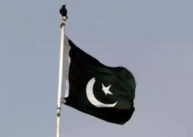 7 Pak soldiers, 9 terrorists killed in gun battle