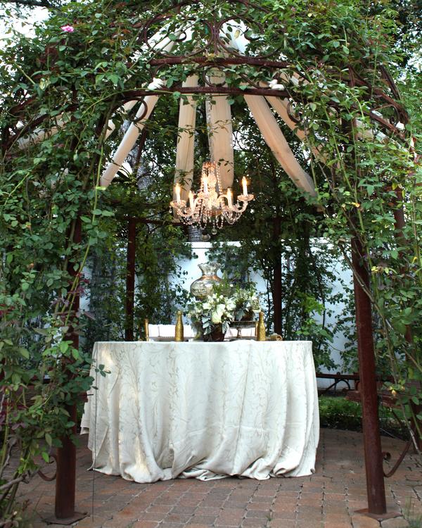 bride+groom+peter+pan+themed+neverland+wedding+tinker+bell+fairytale+princess+wendy+darling+captain+hook+fairy+dust+green+rustic+andy+sams+photography+46 - Neverland