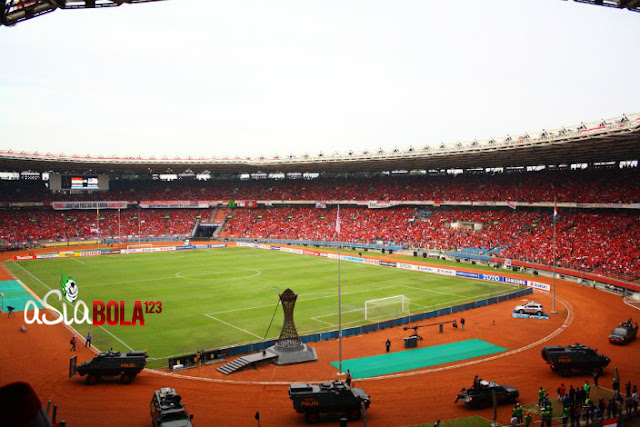 [Image: stadion%2Butama%2Bglora%2Bbung%2Bkarnop.jpg]