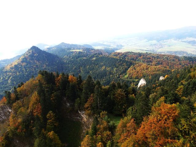 Widok ze szczytu Trzech Koron, październik 2016.